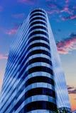 Голубая и черная стеклянная башня офиса Стоковое Изображение RF
