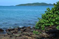 Голубая морская вода в текстуре штиля на море Стоковые Фотографии RF