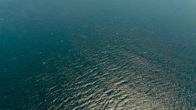 Голубая поверхность моря, взгляд сверху видеоматериал