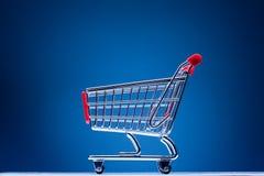голубая покупка тележки Стоковое Фото