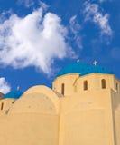 голубая приданная куполообразную форму церковь Стоковая Фотография