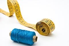 голубая резьба ленты измерения катушкы Стоковые Изображения RF