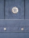 голубая рубашка детали кнопки Стоковое Изображение