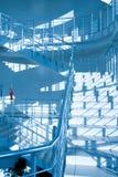 голубая самомоднейшая лестница офиса Стоковая Фотография