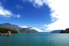 голубая яркая вода неба Стоковые Изображения RF