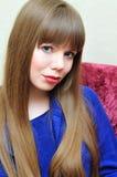 голубая eyed девушка longhaired стоковое изображение