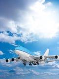 голубое большое небо пассажирского самолета Стоковое Изображение RF
