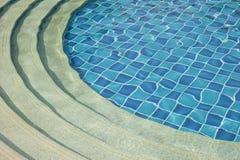 голубое заплывание бассеина Стоковые Изображения RF