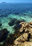 голубое море Хорватии стоковые изображения