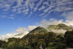 голубое небо горы Стоковое Изображение