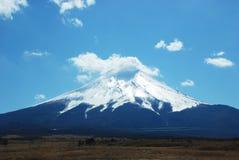 голубое небо держателя fuji Стоковая Фотография RF