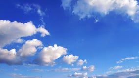 голубое небо заволакивает белизна Природа desktop Ландшафт обои стоковое изображение rf
