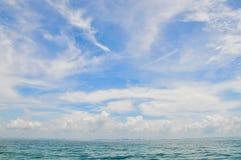 Голубое небо и море Стоковая Фотография RF