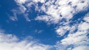 Голубое небо и небо облаков Стоковые Фото