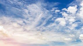 Голубое небо и небо облаков Стоковое Фото
