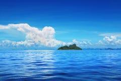 голубое небо моря Стоковое Изображение