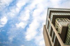 голубое небо облака крупного плана синь предпосылки красивейшая заволакивает небо Драматическое небо с бурным Стоковая Фотография RF