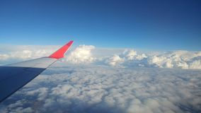 Голубое небо от самолета Azul Стоковое Фото
