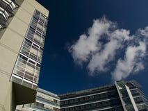 голубое небо офиса здания Стоковое Изображение RF