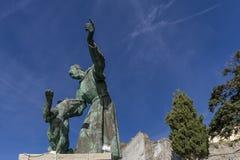 Голубое небо предпосылка Св.а Франциск Св. Франциск Assisi с собакой, конематки al Monterosso, Cinque Terre, Лигурии, Италии стоковое изображение rf