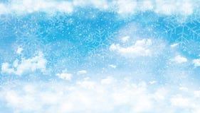 Голубое небо с облаками и снегом Стоковые Изображения RF