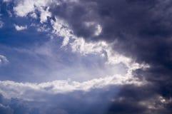 Голубое небо с облаками, кумулюс Предпосылка, природа Стоковое фото RF