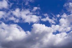 Голубое небо с облаками, кумулюс Предпосылка, природа Стоковые Изображения RF