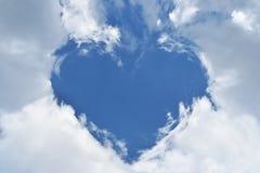 Голубое небо с облаками формы сердец Стоковое Изображение