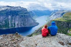 Голубое озеро в Норвегии около Trolltunga Стоковая Фотография