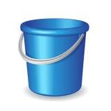 Голубое пластичное ведро на белой предпосылке Стоковые Изображения