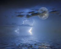 голубое полнолуние Стоковые Фотографии RF