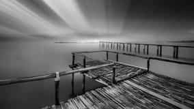 голубое солнце моря пристани деревянное Стоковое Изображение