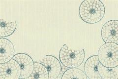 голубой белизна кругов пошущенная над бумагой Стоковые Изображения RF