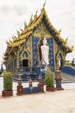 Голубой висок или Wat Rong Suea 10 Chiang Rai расположены на Стоковая Фотография RF