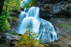 Голубой водопад в национальном парке Ordesa стоковые изображения