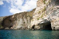 Голубой грот, известные горные породы и привлекательность пещер на береге моря Мальты Стоковое Фото