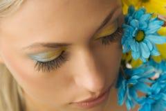 голубой желтый цвет цветка Стоковая Фотография