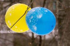Голубой и желтый воздушный шар Стоковая Фотография RF