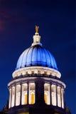 голубой капитолий wisconsin стоковая фотография