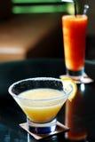 Голубой коктеил маргариты с лимоном Стоковое Изображение RF