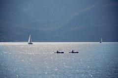 голубой ландшафт на озере garda Стоковые Изображения RF