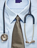 голубой новый стетоскоп рубашки Стоковое Изображение RF