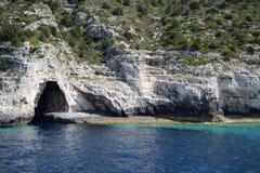 Голубой остров Paxos пещеры стоковое изображение
