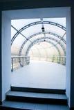 голубой офис стекла корридора центра Стоковая Фотография