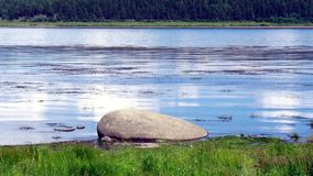 Голубой пляж yenisei Сибиря реки сток-видео