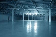 голубой пустой тонизированный storehouse Стоковая Фотография RF