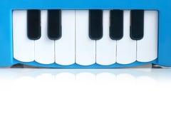 голубой рояль s ребенка стоковое фото