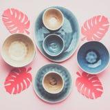 Голубой, серый dinnerware andbeige стоковая фотография rf