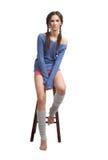 голубой темный свитер девушки Стоковые Фотографии RF