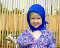 голубой темный шарф девушки Стоковые Фотографии RF